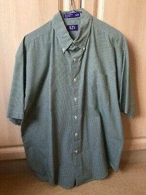 Ez's By Haggar Men's Green Shirt With Small Check Design Size Medium