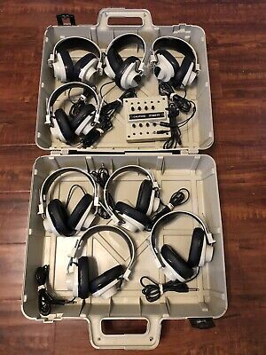 Califone 1218AV-PY listening Center with (8)-2924AV Headphones & hard case