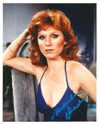 Marilu Henner Signed Autographed Glossy 8x10 Photo w Proof Photo