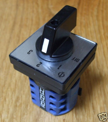 Mains 240v power selector switch 32amp, 2 pole 3 way PSS132