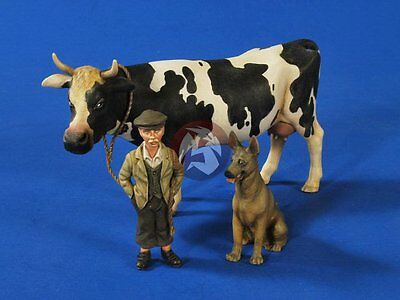 Verlinden 1/35 Farm WWII Farmboy with Cow and Dog 2631