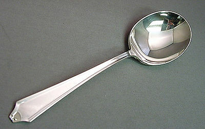 """International Sterling MINUET ROUND BOWL SOUP SPOON  5 7//8/"""" nm"""