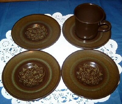 "Vintage Franciscan Ware ""Madeira"" Green & Brown 5 5/8"" Saucer (4) & 1 Cup"