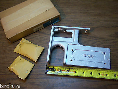 Vintage Nos Hardware Independant Lock Door Closer D895 Size D&25 Corner Bracket • CAD $56.70