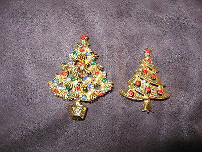 2 christmas tree pins F30
