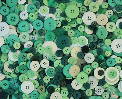 100g Bag of Green Mix Buttons *Assorted Shapes and Sizes