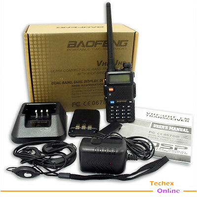 UV-5R Dual Band DUAL freq. dispaly with FM radio + Earpiece for free