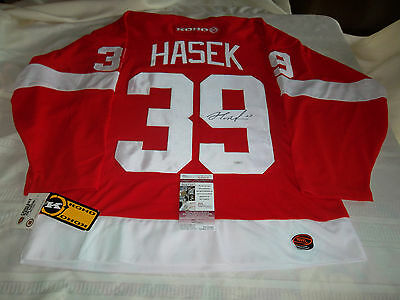 new product aa2dd ef6af Dominik Hasek Hand Signed Detroit Red Wings Jersey JSA Authenticated  Autograph