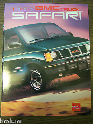 Mint 1992 Gmc Truck Safari 25 Page Sales Brochure New (Box 394)