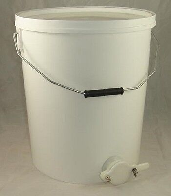 Honey Settling Tank / Bucket With Valve - 20L - Beekeeping - Honey Extraction