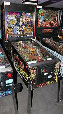 "ELVIRA AND THE PARTY MONSTERS Pinball Machine - Bally 1989 - ""It's a Fright!"""