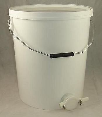 Honey Settling Tank / Bucket With Valve - 15L - Beekeeping - Honey Extraction