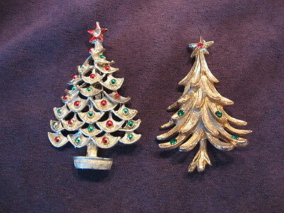 2 Christmas tree pins M58