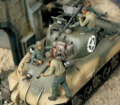 Verlinden 1/35 US Tankers on Sherman Tank WWII (2 Full figs & 1 Half-figure) 850