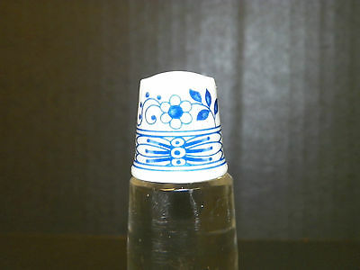 Hutschenreuther Blue & White Floral Porcelain Thimble Made In Germany