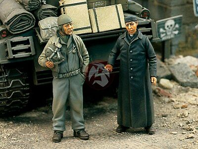 Verlinden 1/35 US Tanker with Priest in France 1944 WWII (2 Figures) [Resin] 844