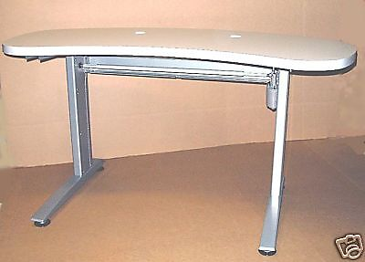 Pretesting Table, Power, Equipment Ophthalmic Instrument Table 3 Inst Curved Top
