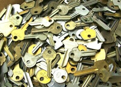 Lot of  Key BLANKS 3 lbs ++ HOUSE,CARS,etc. OLD,VINTAGE   Locksmith, Collectors