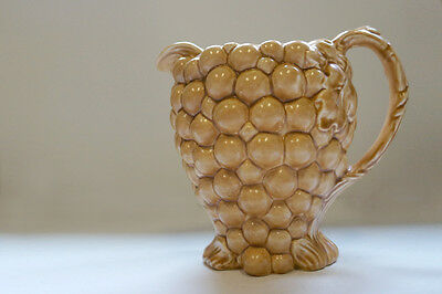 Pitcher Burgess & Leigh Grapes shaped Beige