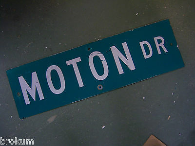 "Vintage ORIGINAL MOTON DR STREET SIGN WHITE ON GREEN BACKGROUND 30"" X 9"""