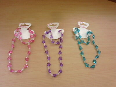 Childrens Plastic Beaded Necklace And Bracelet Set Hearts On