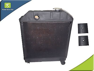 "New Ford Tractor ""C7NN8005H""Radiator 2000 2600 3000 3600 4000 & 2 Mounting Pads"