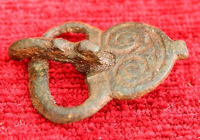ANCIENT Byzantine BRONZE BELT BUCKLE 14.9 gm  22x40 mm