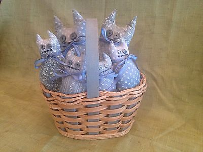 Primitive/ Vintage Stuffed Country Cats In Antique Basket