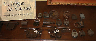CANDADOS s.XIX MUY BUEN ESTADO - 19th CENTURY LOCK VERY GOOD CONDITION