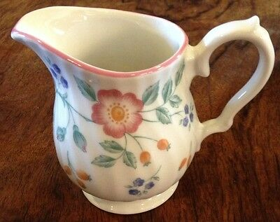 "VINTAGE CHURCHILL STAFFORDSHIRE ""BRIAR ROSE"" CREAMER  MADE IN ENGLAND~EXCELLENT"