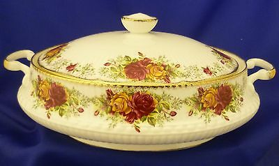 A Queen's 'stratford' Twin Handled Lidded Vegetable Tureen