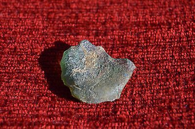 ANCIENT ROMAN GLASS  FRAGMENT ! 7.1g  1 PIECE #0048