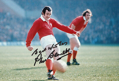 Phil Bennett Hand Signed Wales Photo 12x8 2.