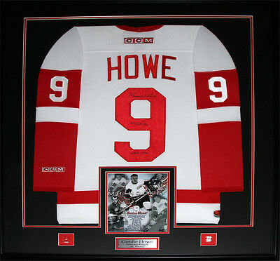 Gordie Howe Detroit Red Wings Signed jersey frame