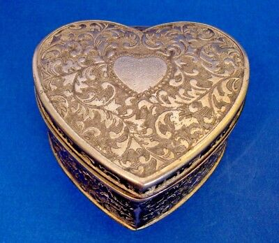 Vintage White Metal Jewelry Box - Heart Shaped - Hinged lid (103)
