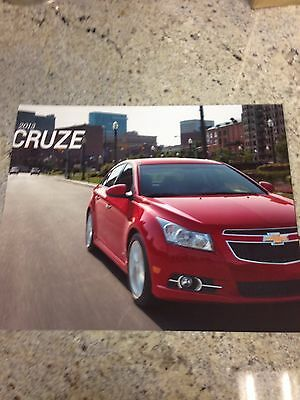 2013 Chevy Cruze 32-page Original Sales Brochure