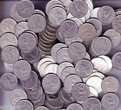 Lot of 40 Coins Great Britain UK 5p, 5 New Pence Mixed Dates Decimal KM911 KM937