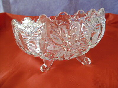 VINTAGE BOWL OVAL  GLASS  CUT FOOTED FRUIT  BEAUTIFUL 7''