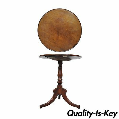 Vintage English Duncan Phyfe Styl Solid Mahogany Round Occasional Side End Table