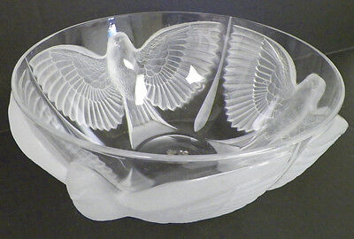 "Crystal Bowl With Three Frosted Birds 10"" Good"
