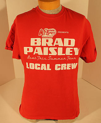 Brad Paisley Beat This Summer Tour Local Crew T-Shirt Size L Country Music Red