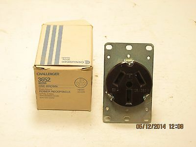 Challenger 3652 straight blade flush mount 50a 125/250v 3p 3w receptacle 10-50R