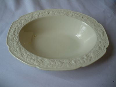 Crown Ducal Made In England Florentine Serving Bowl