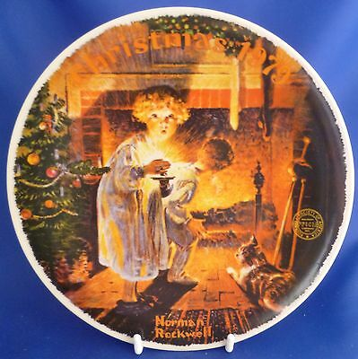 KNOWLES ROCKWELLS COLLECTOR PLATE -  SOMEBODY'S UP THERE CHRISTMAS 1979