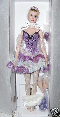 Morning Mist Tonner 16 in. Ballet Doll 2013, includes Extra Feet