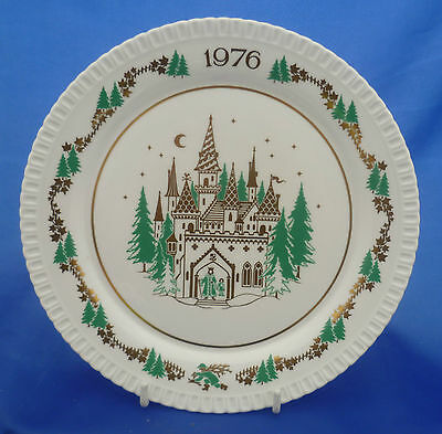 The Seventh Spode Christmas Plate - 1976 (Good King Wenceslas Looked Out)