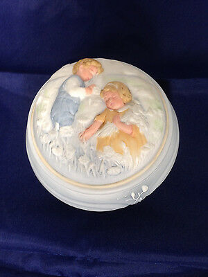 Vintage Avon Golden Dreams Music Box Hand Painted 1985 Baby Blue & White