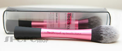 Real Techniques by Sam & Nic Chapman Face blush Brush #1407 100% Authentic