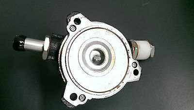 NEW GENUINE NISSAN D21 Navara & Y60 Patrol Vacumm Pump Assembly