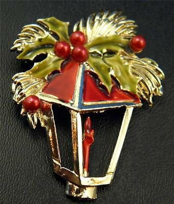 VINTAGE CHRISTMAS LANTERN / LAMP WITH CANDLE BROOCH / PIN W/ HOLLY & BERRIES
